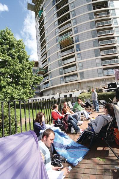 Notting Hill staff vote to strike