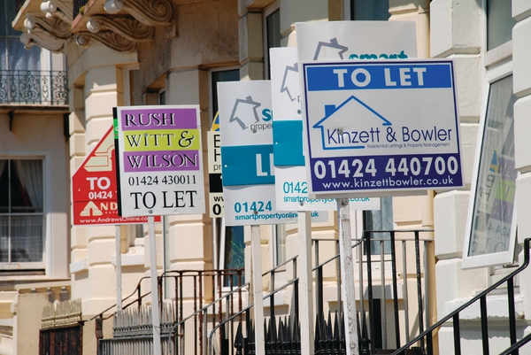 Welsh Government consults on banning letting fees