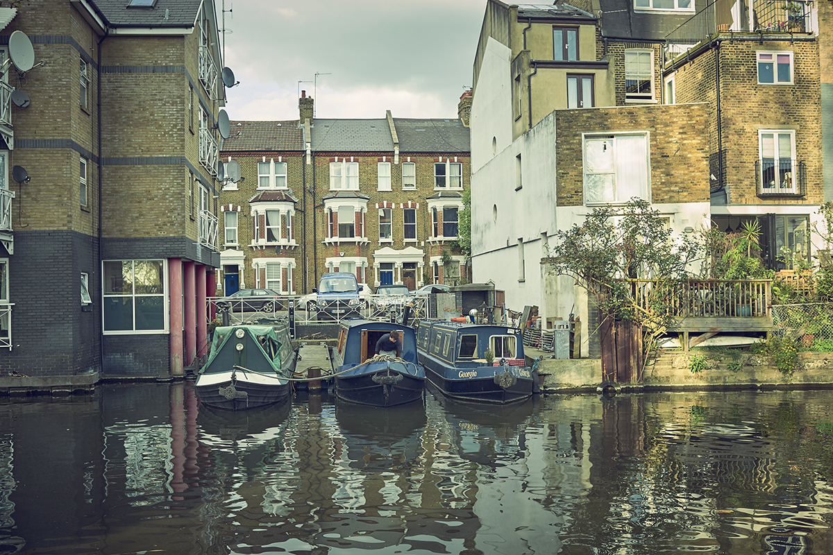 The canal boat dwellers