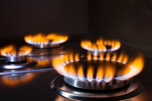 Government urged to extend gas safety certificates as associations fear for workers' safety