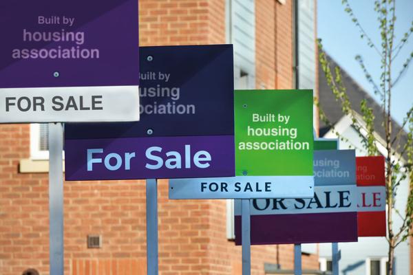 Large association has 400 unsold homes amid 'massive market slowdown'