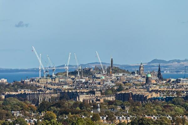Almost nine in 10 Scottish people think government should guarantee housing for all, survey reveals