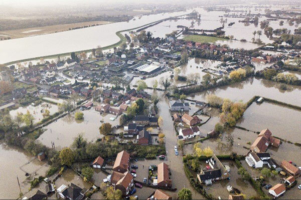 Ban building homes on flood plains unless 'no alternative', says Environment Agency boss