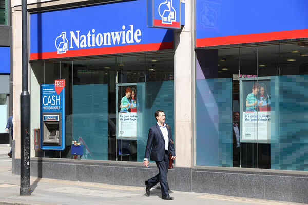 Mortgage lenders withdraw products for low-deposit buyers