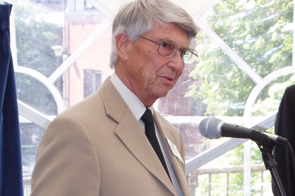 Former Nottingham Council housing director dies aged 86