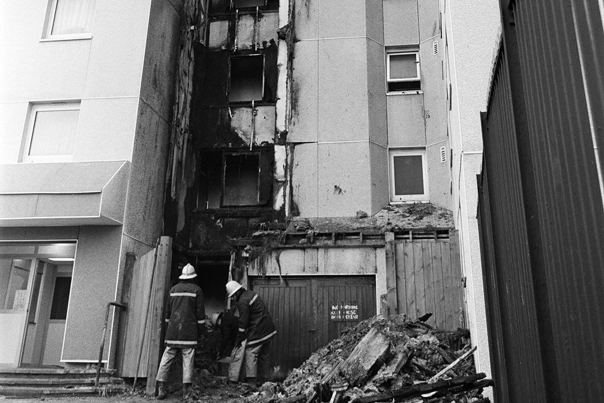 Government sought to 'play down' cladding fire at pilot project it funded in 1990s, investigation reveals