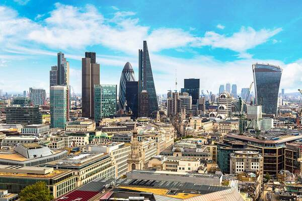 Number of buildings in London forced to abandon 'stay put' passes 1,000