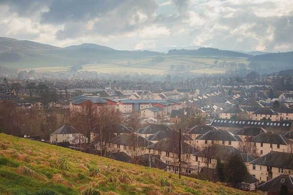 Social landlords in Scotland must work together with government to achieve net zero targets, report urges